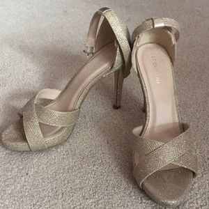 Le Chateau champagne gold sparkly heels